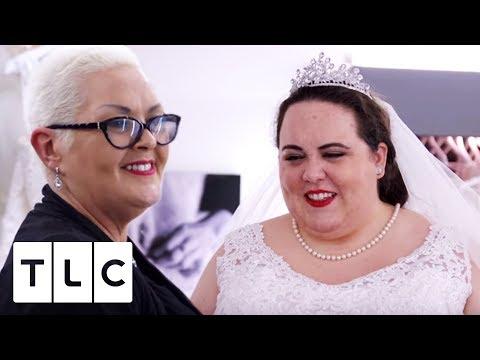 Body-Confident Bride finds her Dream Dress!   Curvy Brides