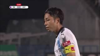 小林 悠(川崎F)がPKをゴール正面に蹴り込み、川崎Fが敵地で先制点を...