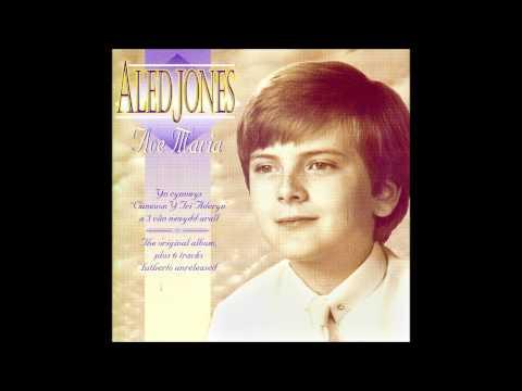 Aled Jones Boy soprano singing Ave Maria (Bach-Gounod)