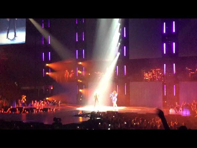 Demi Lovato y Luis Fonsi - Echame la Culpa en Vivo Miami