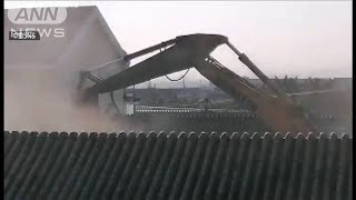 「北京で最も美しい村」違法建築で住宅強制取り壊し(2020年12月29日) - YouTube