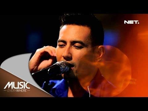 Music Everywhere - Rio Febrian - Aku bertahan