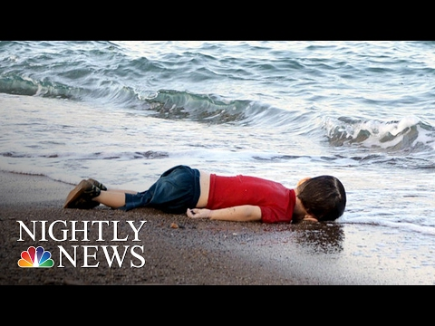 Stirring Images of Syrian Boy's Body Now Symbol of Europe's