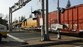 Union Pacific Folsom Turn Local, Train Horn Vs Truck Horn, South Watt Avenue Railroad Crossing