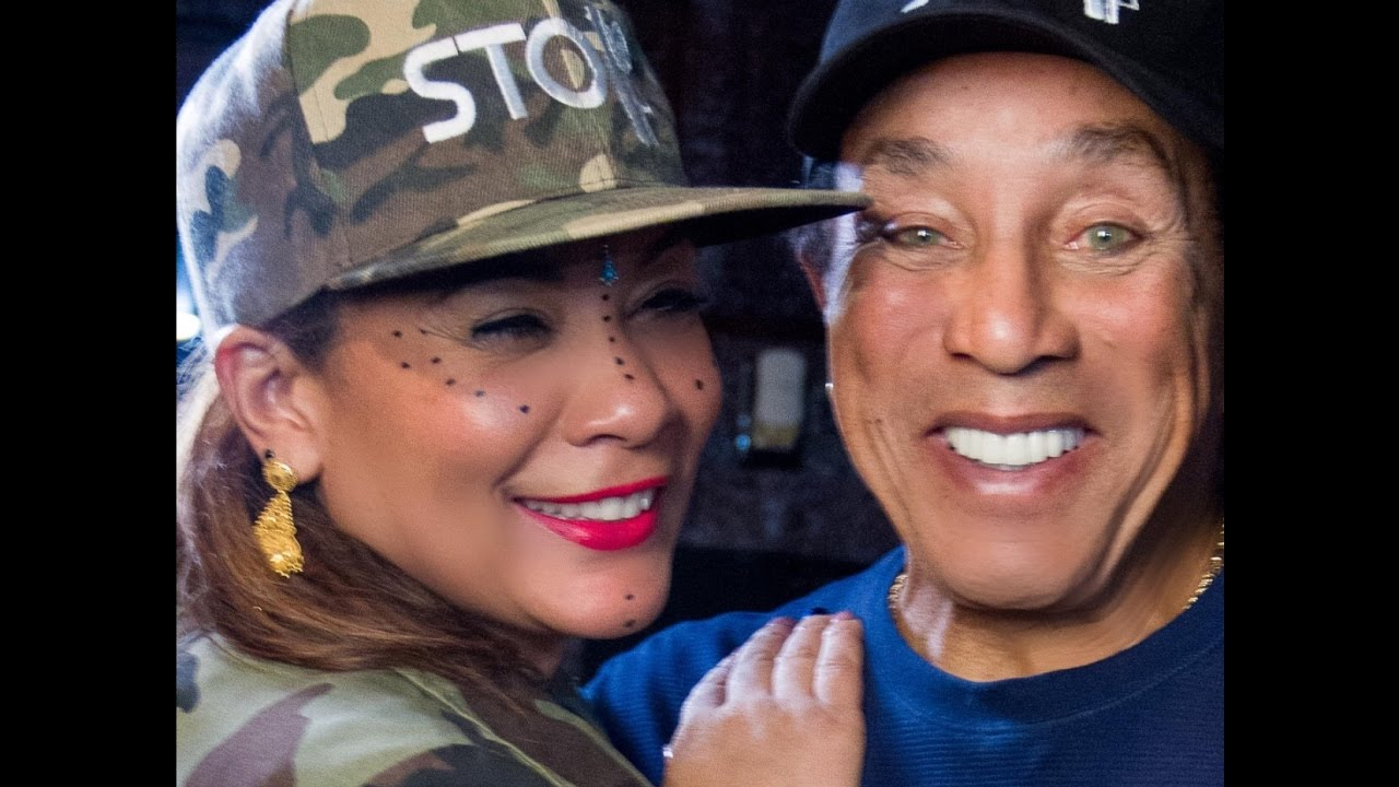 SMOKEY ROBINSON ON GUN VIOLENCE