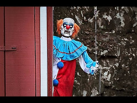 spirit halloween 2016 5 ft evil clown spirit sneak peeks 2016 - Spirit Halloween 2016