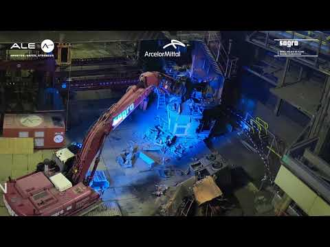 Removal of an overhead crane using the Mega Jack, Belgium