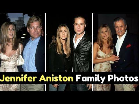 Actress Jennifer Aniston Family Photos with Husband Brad Pitt, Justin Therox, Parents & Siblings