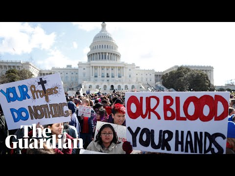 Students across US walk out of class in gun violence protest
