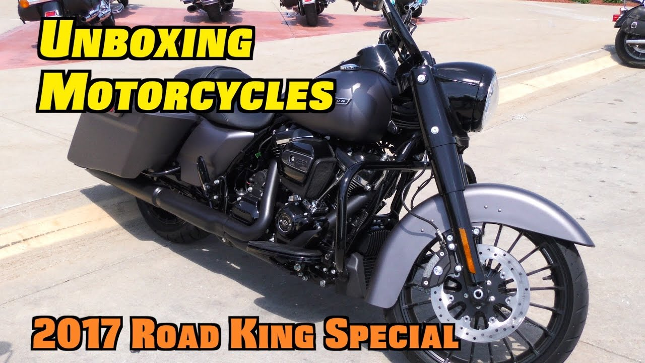 new motorcycle unboxing test ride 2017 harley road king special youtube. Black Bedroom Furniture Sets. Home Design Ideas