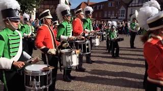 Show- Musikkorps AHOY Hamburg und Deutsche Jugend Brassband Lübeck - Walking on Sunshine