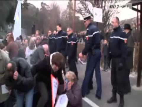 TRUST police milice ou la dictature française en 2014