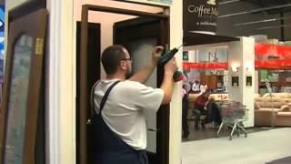 Как установить межкомнатную дверь своими руками(В этом видео вы узнаете как установить межкомнатную дверь своими руками. Подробную статью по установке..., 2013-04-23T14:15:32.000Z)