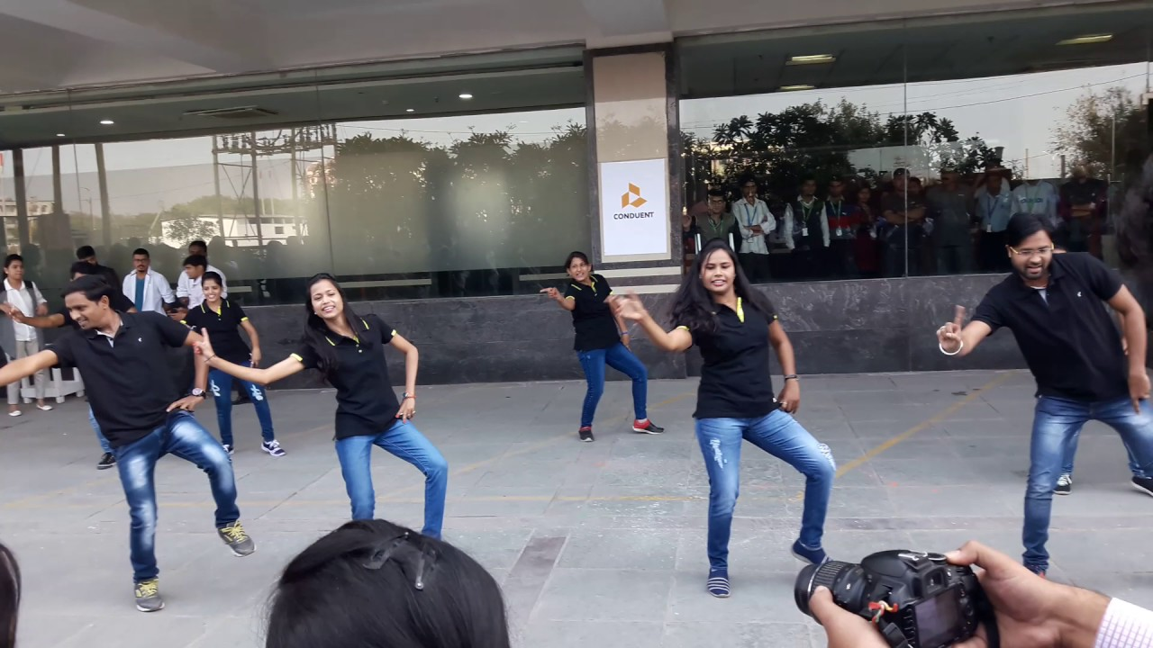 Conduent Indore Flash Mob 2017 - YouTube