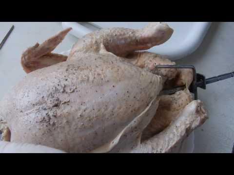 Как насадить курицу на вертел в духовке