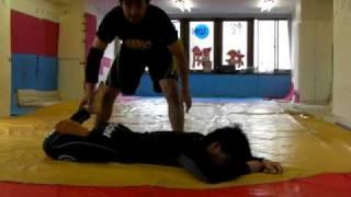 プロレス技~弓矢固め