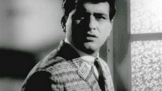 Manoj Kumar sees the Ghost - Woh Kaun Thi Scene