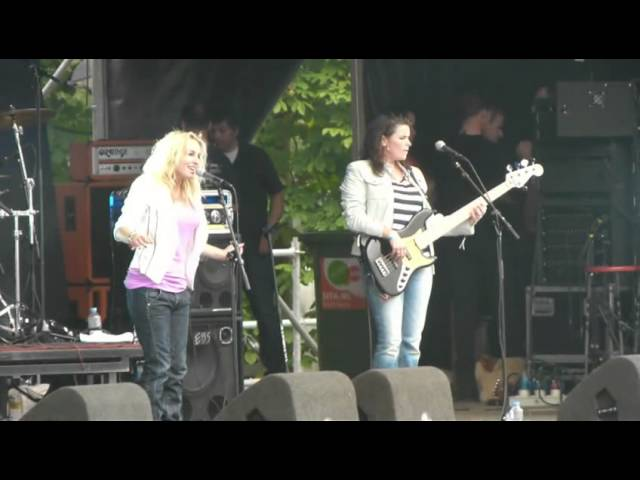 ParkCity Live 2011 - Krystl met 'Let It Be'