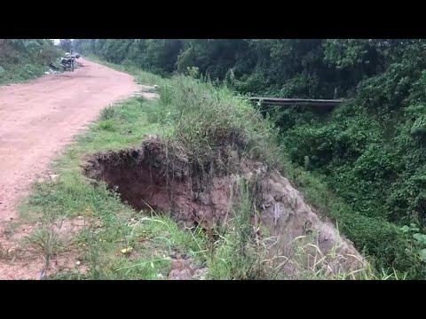 Falta de canos causa desmoronamento de rua em Camaquã