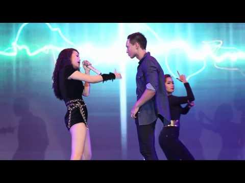 Kim Lý cởi áo khoe body nhảy cùng Hương Ga
