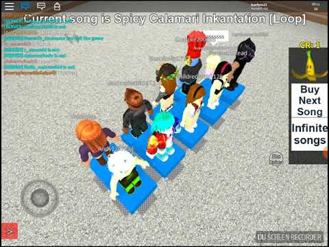 Jenny Plays Roblox Musical Chairs!