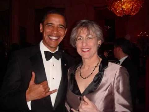 Hawaii Gov Linda Lingle declares Obama born at Kapi
