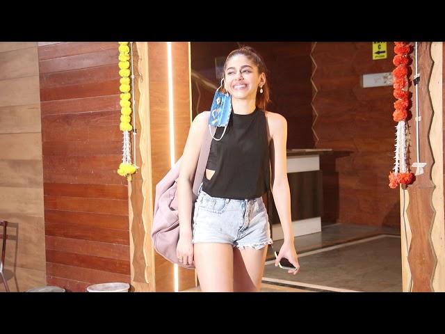 Alaya F Spotted Andheri Dance Rehearsal Hall