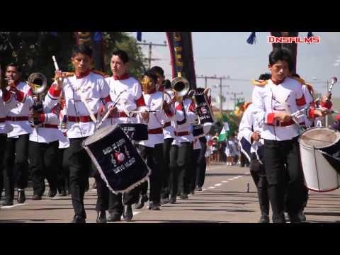 DESFILE CIVICO EN BOLIVIA