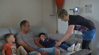 Nolan, 8 ans, devenu handicapé à cause d'un steak haché