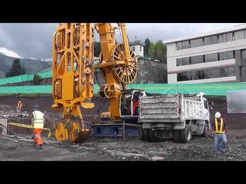 Geoecuatoriana Construccion Pantallas Metro Quito @geoecuatoriana