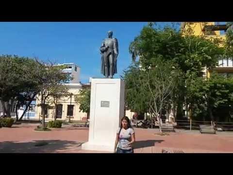 PARQUE DE LOS NOVIOS O PARQUE SANTANDER EN SANTA MARTA, COLOMBIA