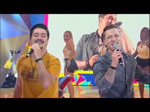 George Henrique & Rodrigo cantam o hit De Copo em Copo e agitam a plateia do Mion
