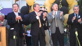Governor Otter Helps Open New Boise Vandal Store