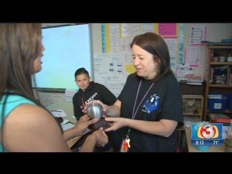 Desert Horizon Elementary School teacher honored with Silver Apple Award