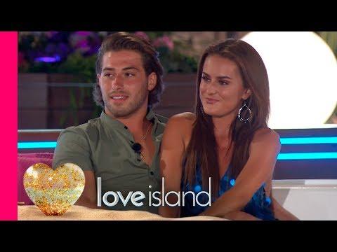 Caroline Gets the Goss From Kem and Amber | Love Island
