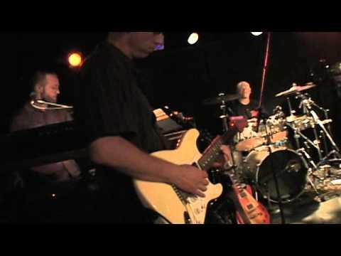 John Brown's Body - Amplify (Live)