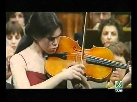 Isabel Villanueva (18) plays Bartok Viola Concerto (1/3)
