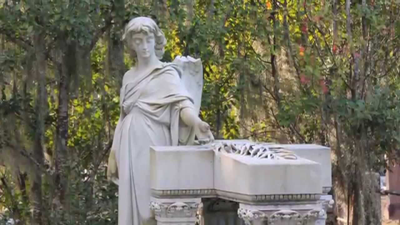 Haunted bonaventure cemetery savannah ga youtube for Garage saab lyon