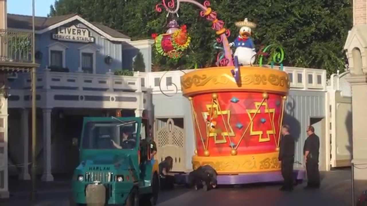 Disneyland Parade Accident Break Down- Mickey's Soundsational Parade