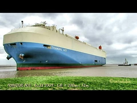 car carrier TRANQUIL ACE ZGAA7 IMO 9561253 Autotransporter 3 tugs Schlepper Emden