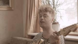 Christian Hjelm - Solen bager (Officiel video)