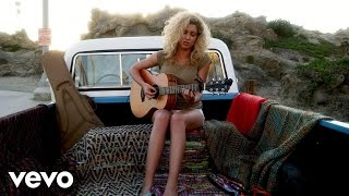 Watch Tori Kelly Beautiful Things video