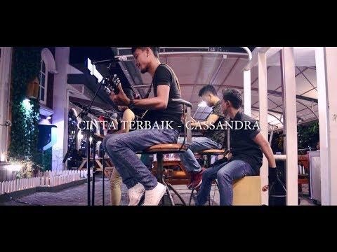 Cinta Terbaik - Cassandra (Acoustic Cover By Ayri)