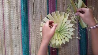 Ngaryanin Canang (cara Membuat Canang) (2)