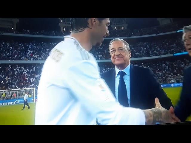 لحظة تتويج ريال مدريد بكأس السوبر الأسباني2020