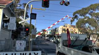 (HD) GLENFERRIE ROAD LEVEL CROSSING KOOYONG. MELBOURNE