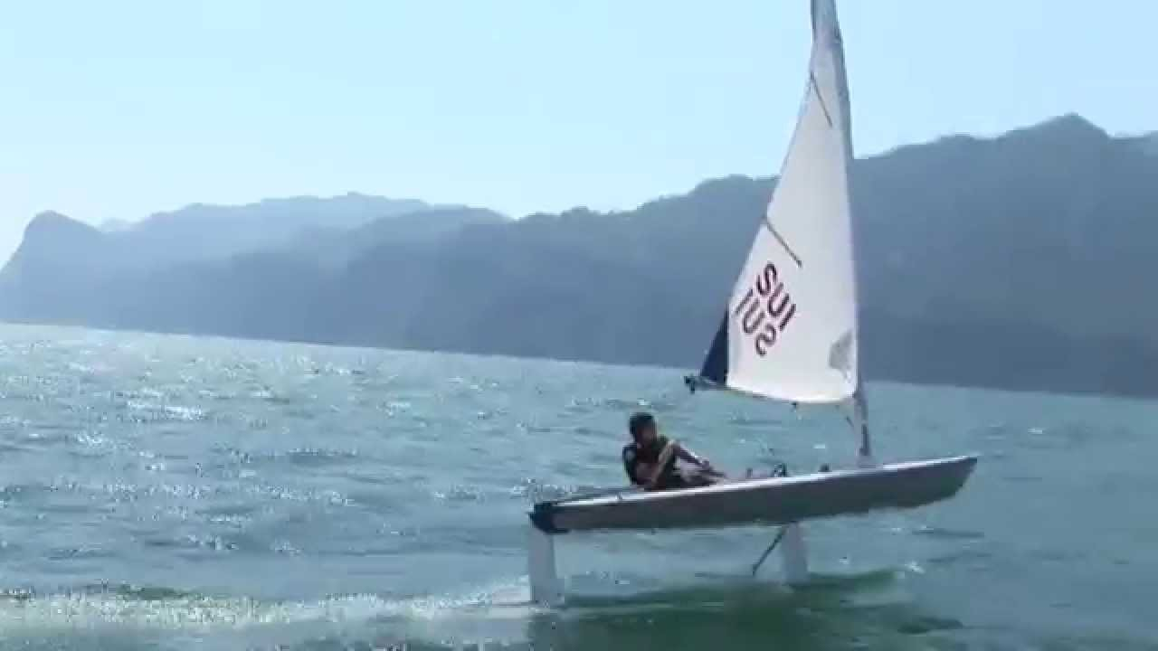 Shaun flies at The Foiling Week on Glide Free Foils - YouTube