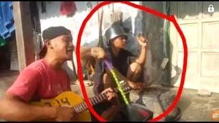 Video lucu, cover lagu terpopuler 2017, kreatif ,asli NGAKAK hhhhaaa!!