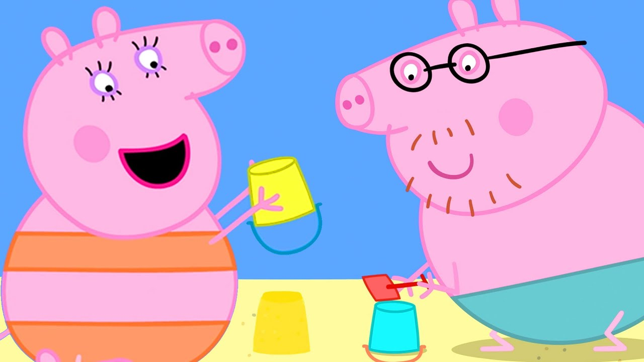 Peppa Pig Official Channel   Mummy Pig Builds Sandy Castle