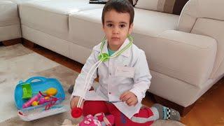 Doktorculuk Oynadık. Berat Doktor Oldu. Eğlenceli Çocuk Videosu